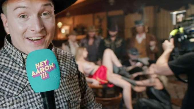 Porno Praktikant Aaron Troschke auf Rednex Sexvideo Dreh