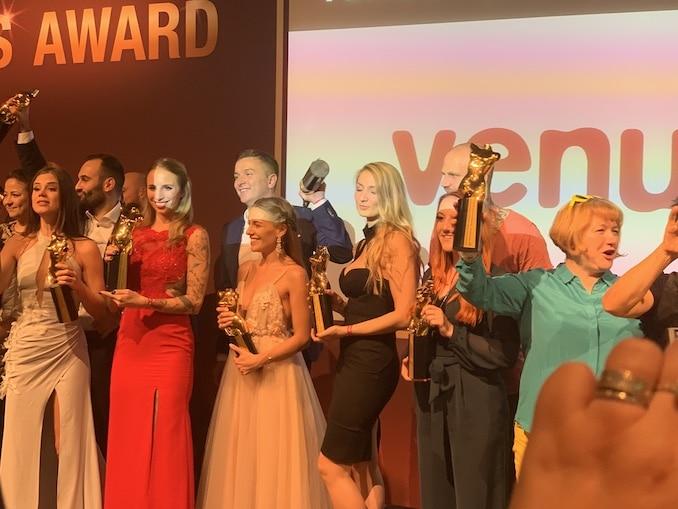 Hanna Secret erhält Venus Award 2019 als bestes Amateurgirl